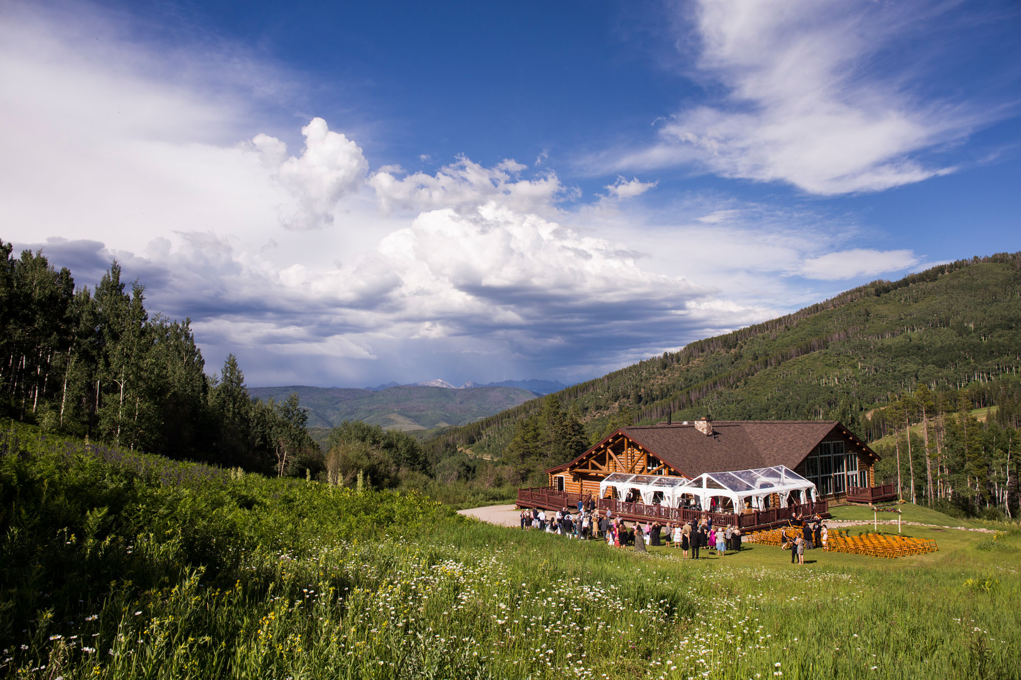 colorado lodge surrounded by mountain views